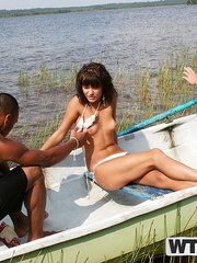 Kinky teenage babe screwed in the boat - teen model fucking xxx
